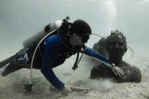 Ramon-Bravo-Undersea-Sergio-Peraza