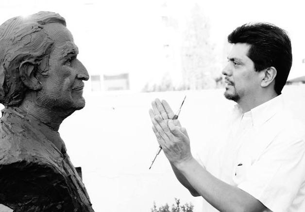Carlos Fuentes Busto por Sergio Peraza