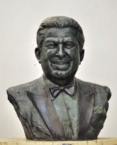 Busto Luis Demetrio por Sergio Peraza 2