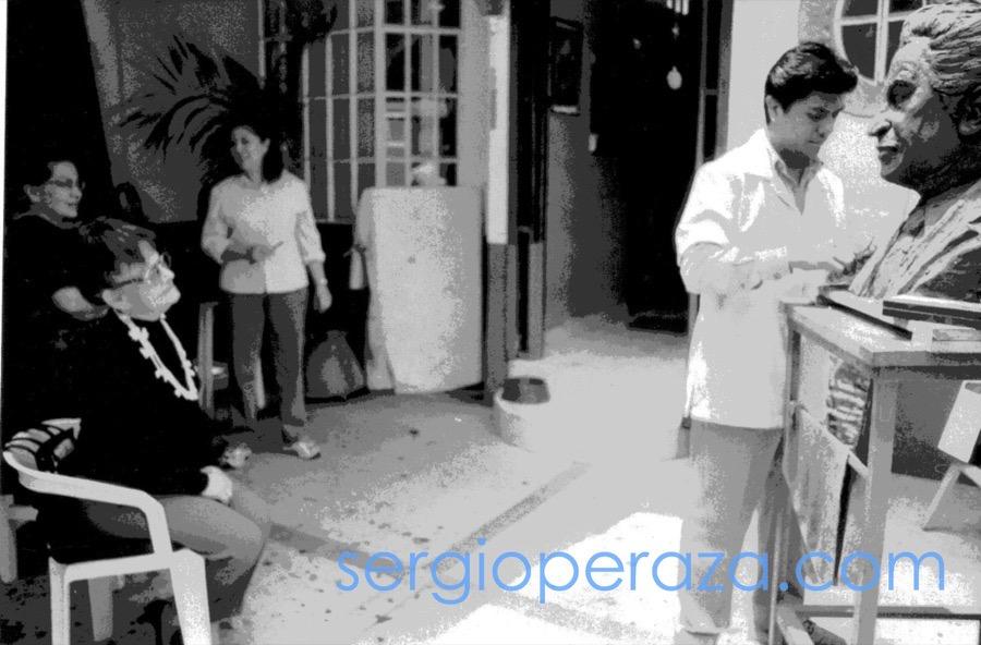 Sergio-Peraza-Escultor-Artista-Busto Chava Flores