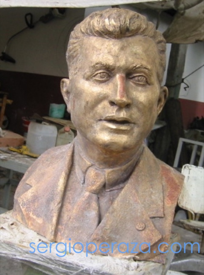 Sergio-Peraza-Escultor-Artista-Felipe Carrillo Puerto Busto