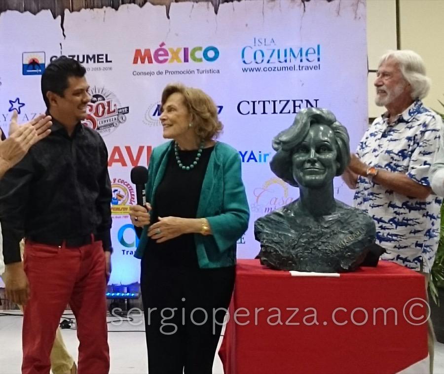 Develacion Busto Escultorico Sylvia Earle 1 Sergio Peraza Artista Escultor