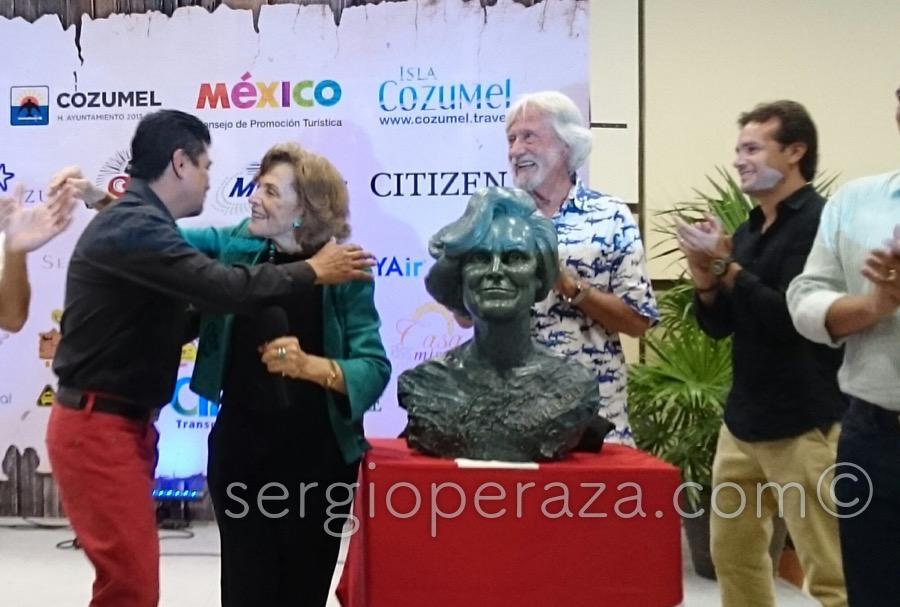 Develacion Busto Escultorico Sylvia Earle 2 Sergio Peraza Artista Escultor