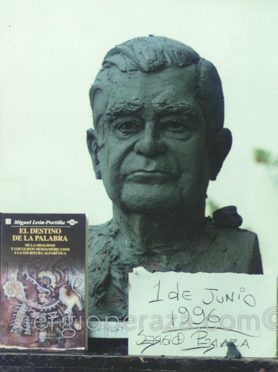 Busto Miguel León Portilla - [Busto Escultórico] - <b>Sergio Peraza</b> | Arte ... - Miguel-Leon-Portilla-Junio-1996-Sergio-Peraza-Artista-Escultor