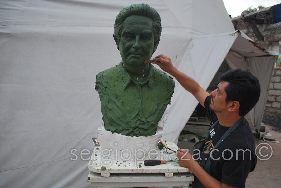 Sergio Peraza Modela a Octavio Paz 2014