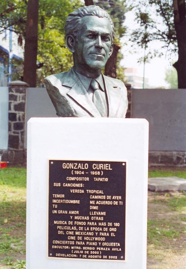 Gonzalo Curiel Busto Sergio Peraza