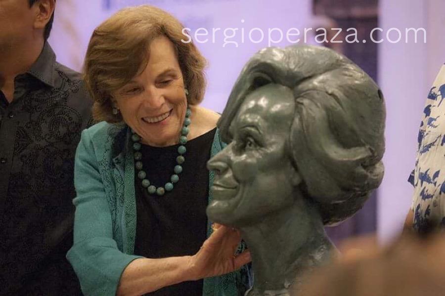Silvia-Earle-Sergio-Peraza-5-Sergio-Peraza-Artista-Escultor-Sergio-Peraza-Artista-Escultor